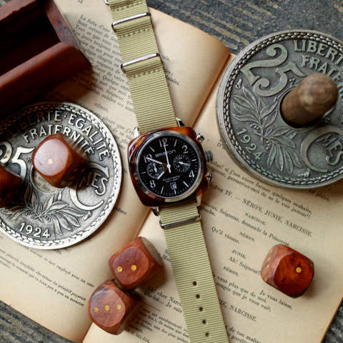 「CLUBMASTER CLASSIC」 CHRONOGRAPH DATE TORTOISE SHELL & BLACK DIAL 【BRISTON】