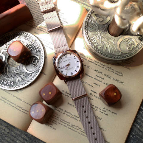 「CLUBMASTER CHIC」 HMS TORTOISE SHELL & ROSE GOLD PVD WITH WHITE DIAL 【BRISTON】