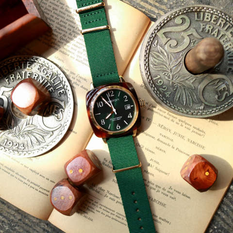 「CLUBMASTER CLASSIC」 HMS DATE TORTOISE SHELL & YELLOW GOLD PVD WITH BRITISH GREEN DIAL 【BRISTON】