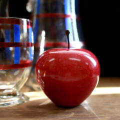 "Marble Apple ""Red/Large"""